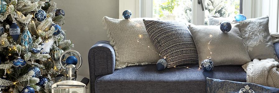 Cuscini arredo decorativi per divani coincasa for Cuscini arredo divano
