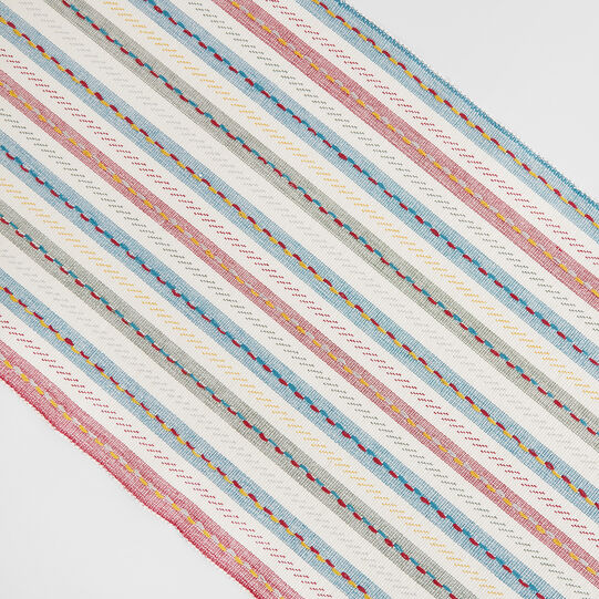 Yarn-dyed striped table runner in 100% cotton