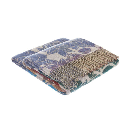 Wool blend throw with floral motif