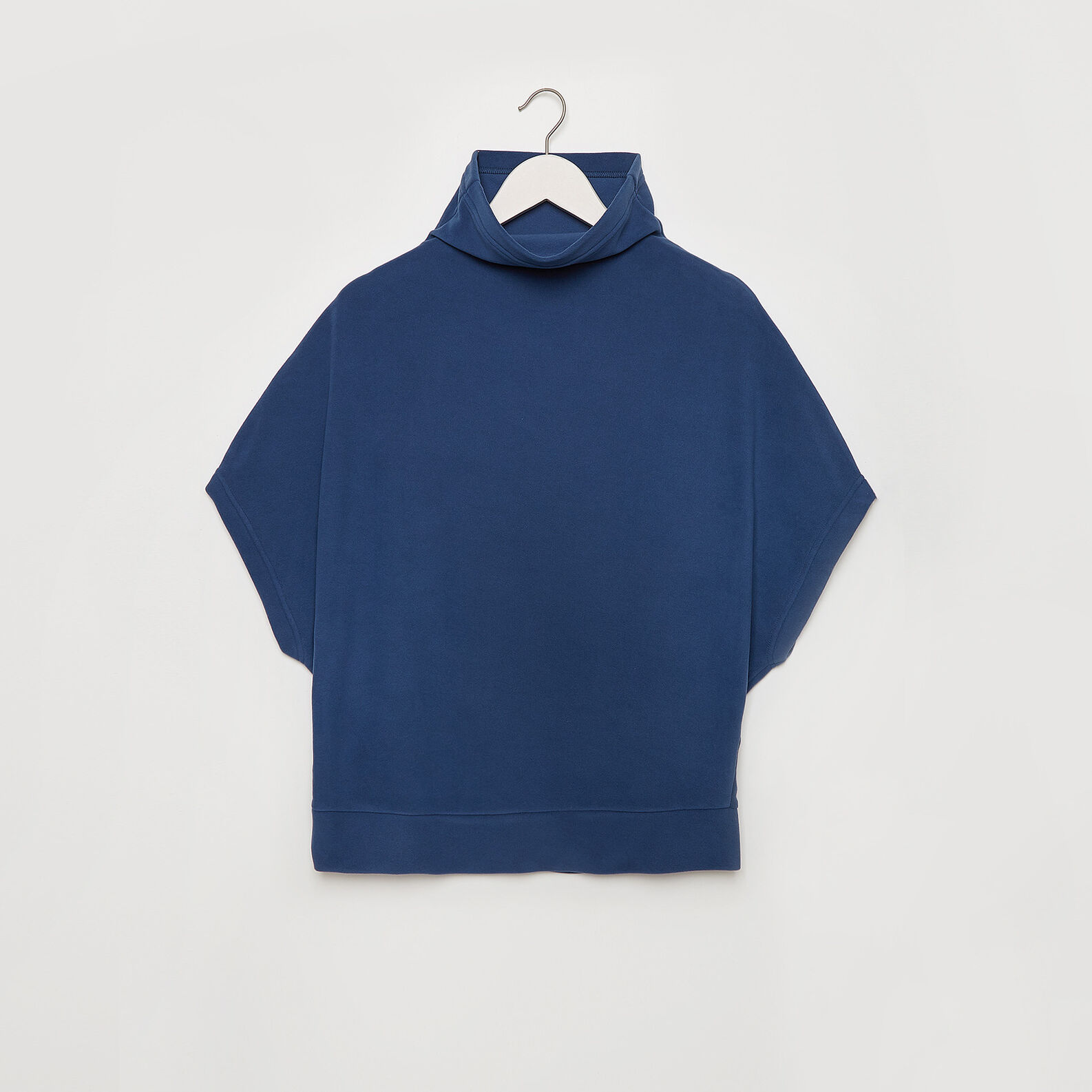 Solid colour fleece poncho