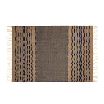 Jute rug with geometric pattern.