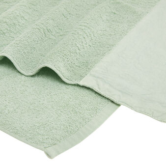 Organic cotton bath sheet with linen trim