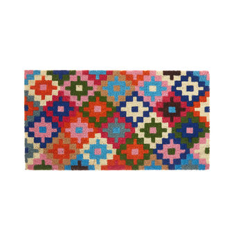 Coconut doormat with geometric motif