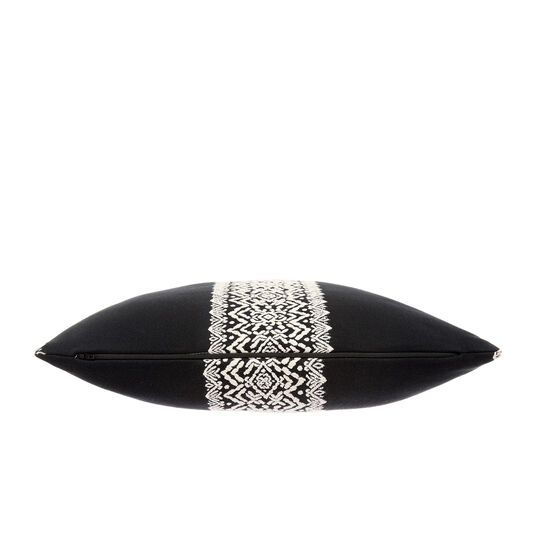 Geometric pattern cushion in relief