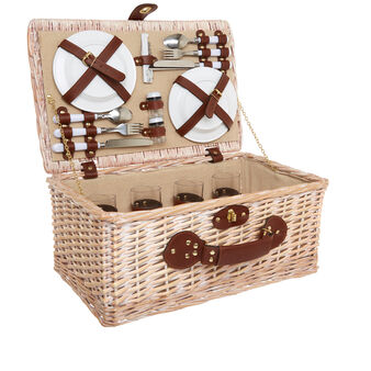 Wicker picnic basket for 4 people