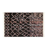 Hand-tufted mat with geometric motif