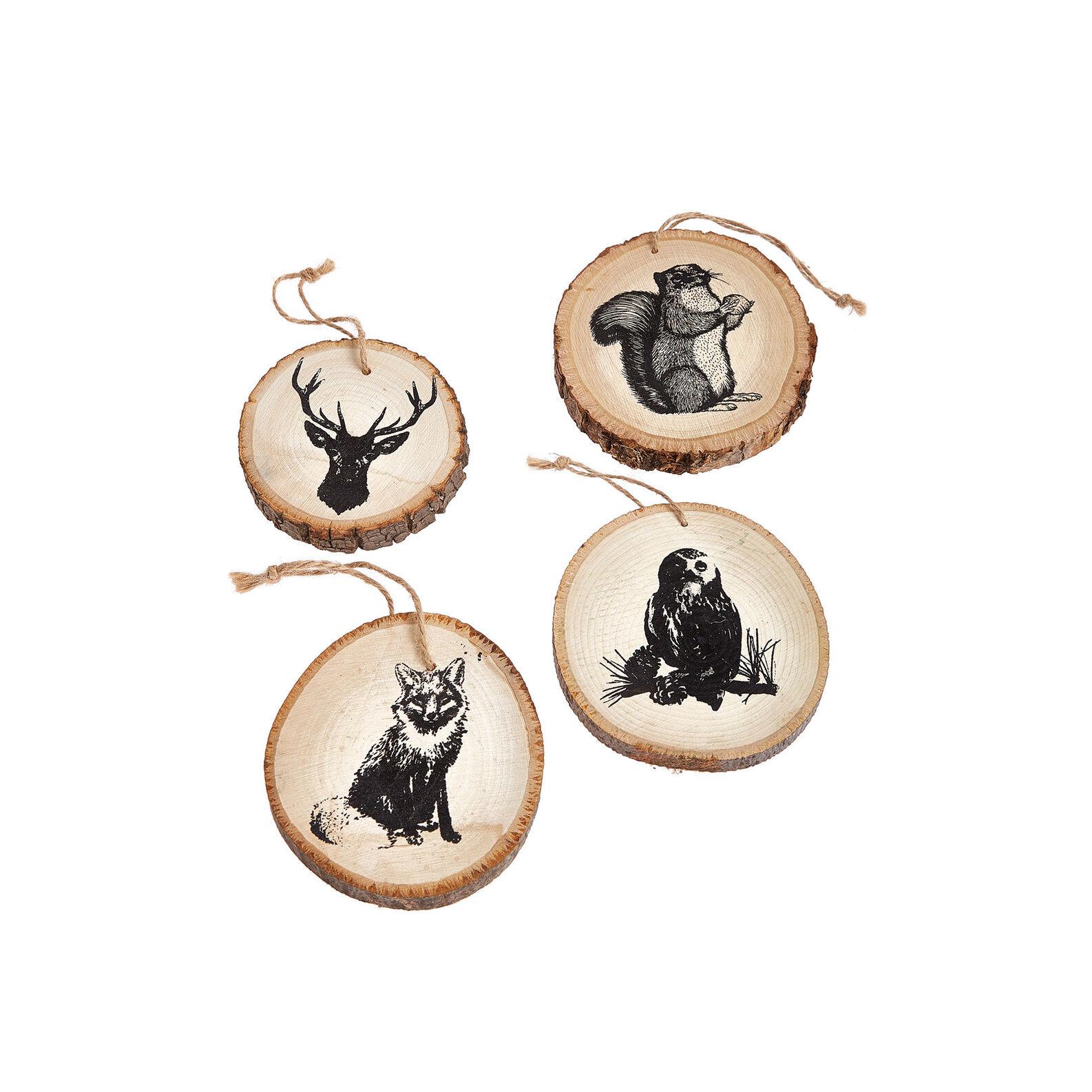 Addobbo in legno con animali del bosco