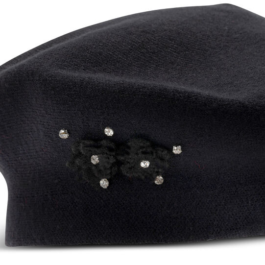 Beret with applications Koan