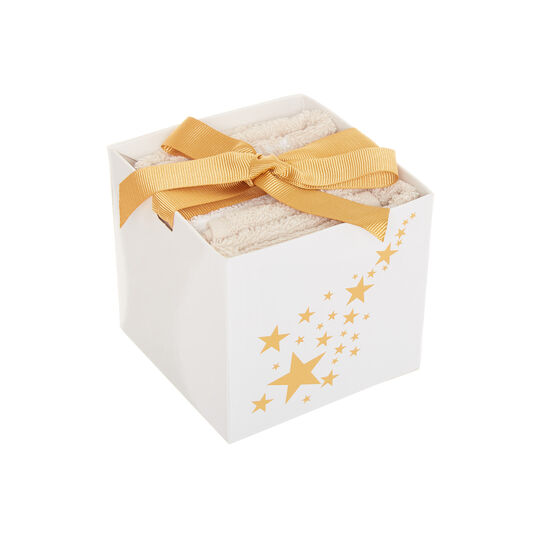 Box with 3 face cloths with embroidered stars