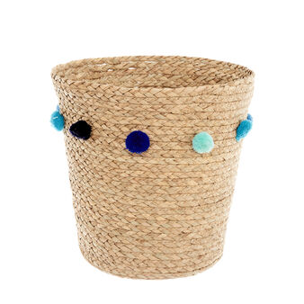 Straw basket  with pompoms