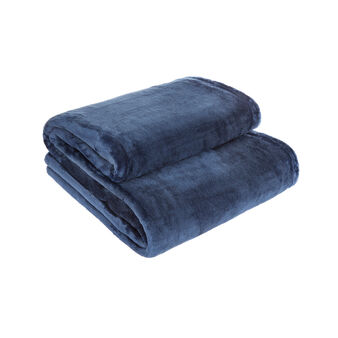 Solid colour maxi fleece throw