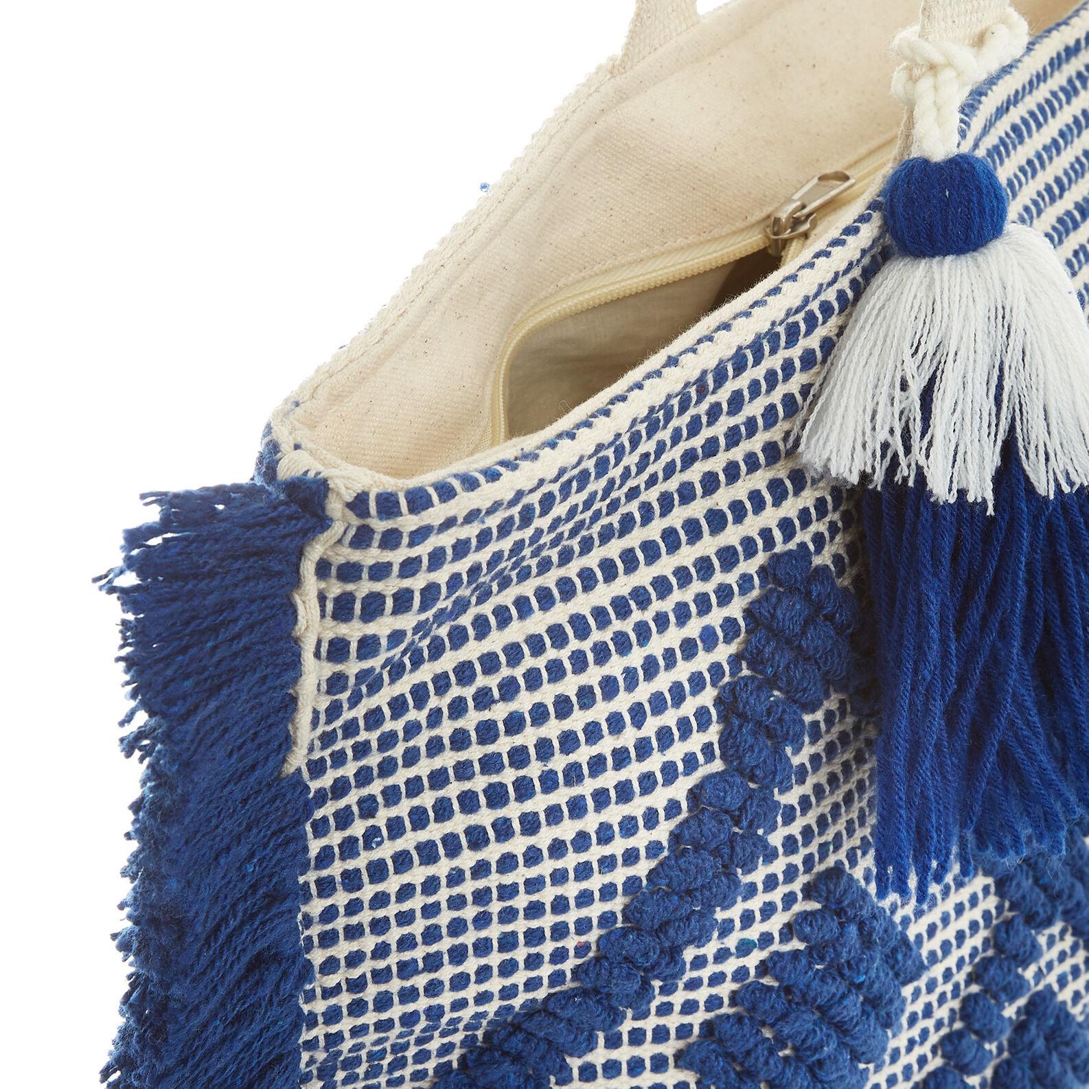 Beach bag with diamond-design embroidery