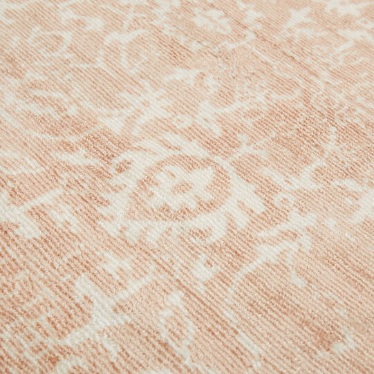Viscose and cotton rug with vintage effect