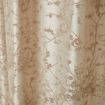 Ramage motif curtain with hidden loops