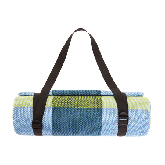 Picnic blanket with check motif