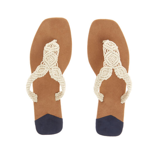 Thong sandals with macrame detail