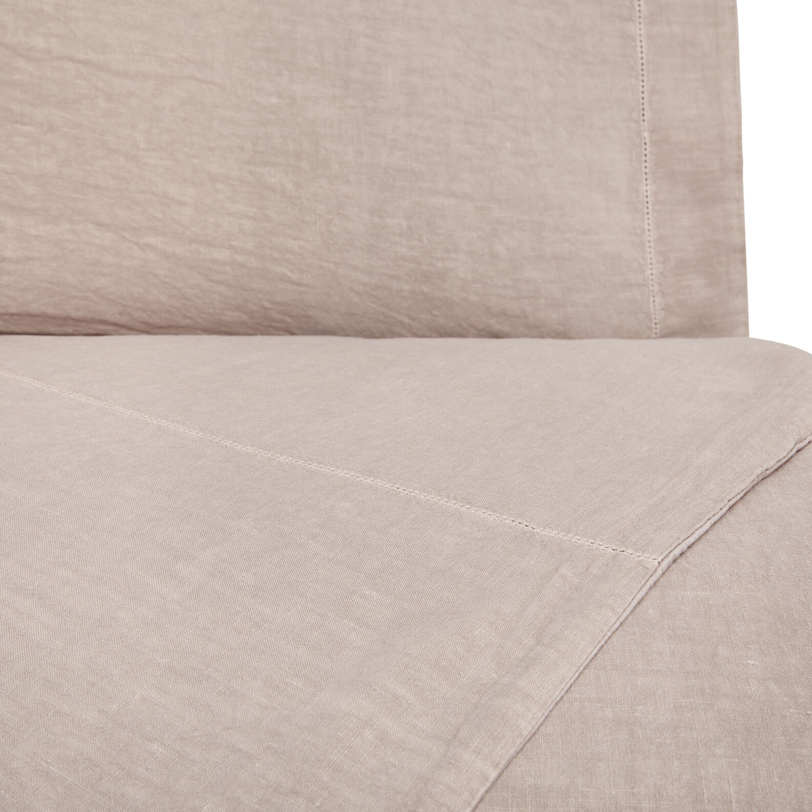 Solid colour duvet cover in washed linen