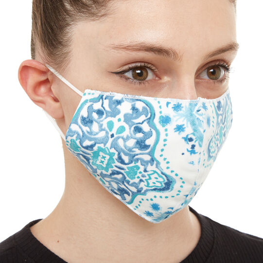 Set of 2 washable masks with patterned fabric