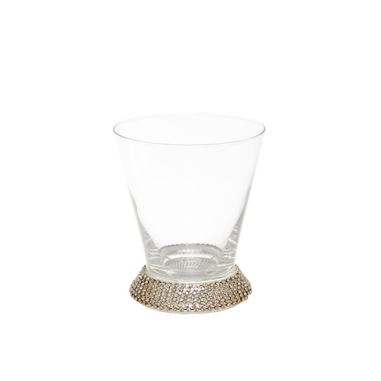 Drinking glass with diamond base