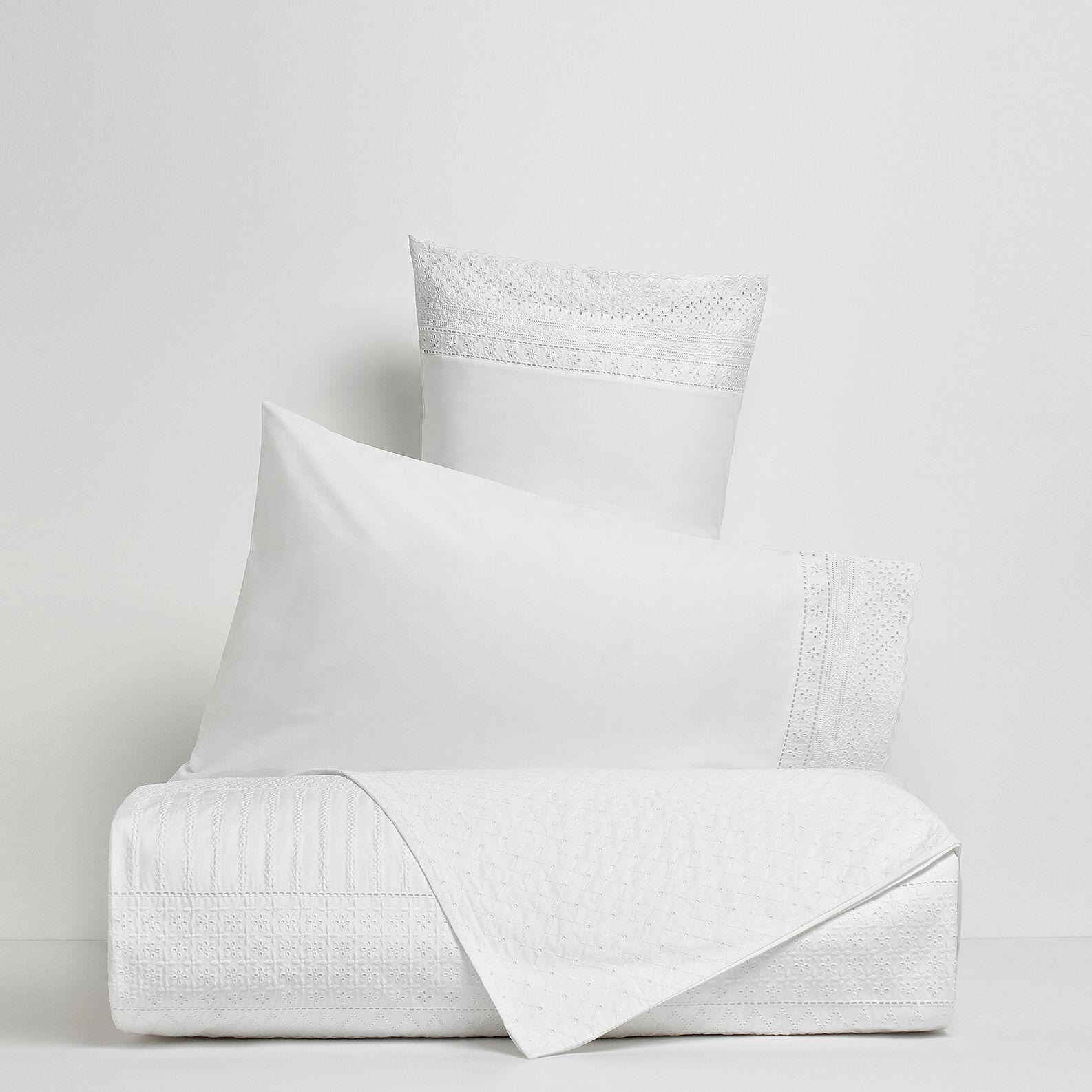 Portofino flat sheet in 100% cotton percale with Sangallo lace