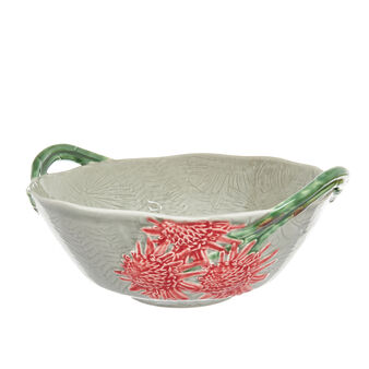 Salad bowl with tropical flower decoration