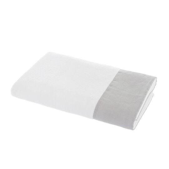 Towel with linen flounce