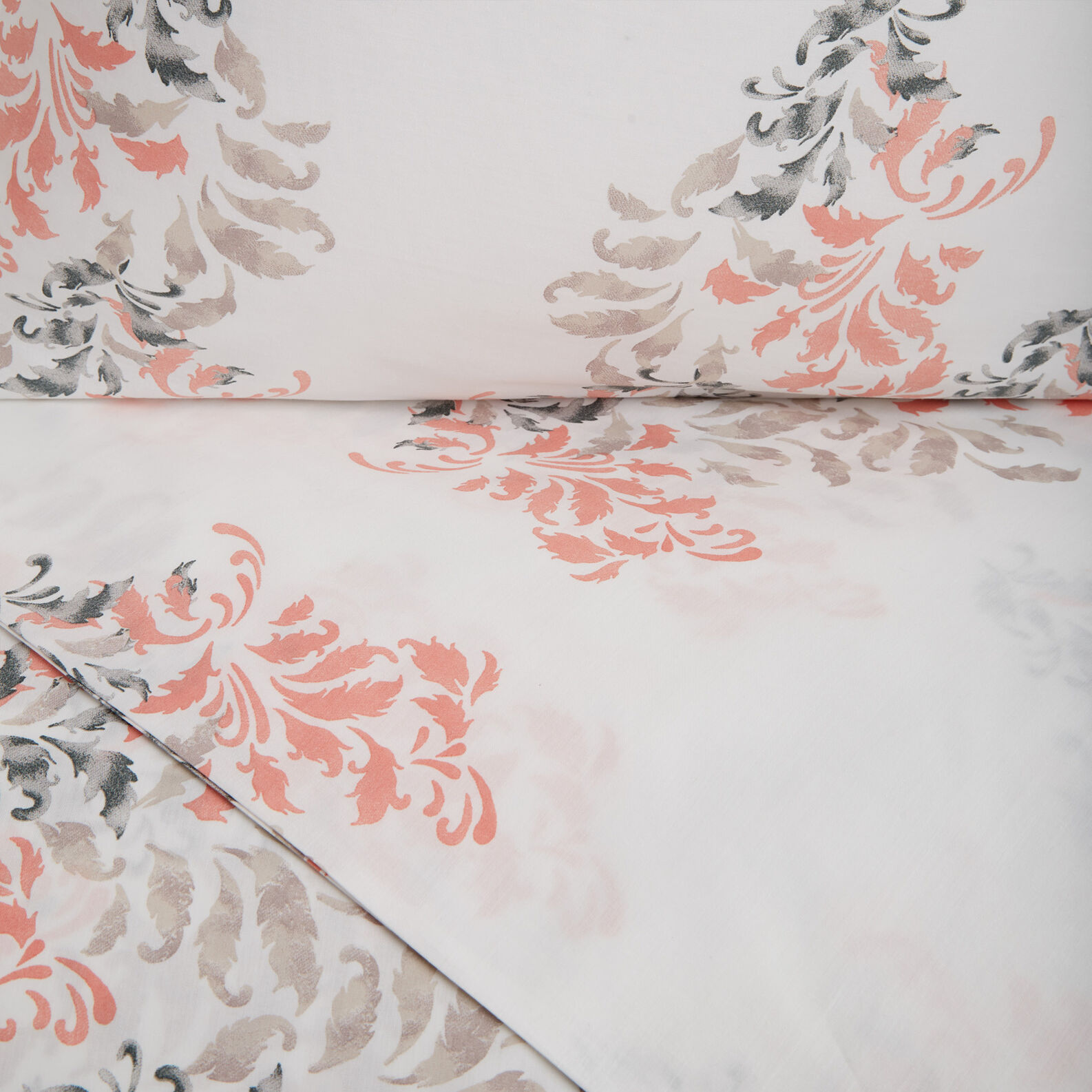 Duvet cover set in cotton percale with frieze pattern