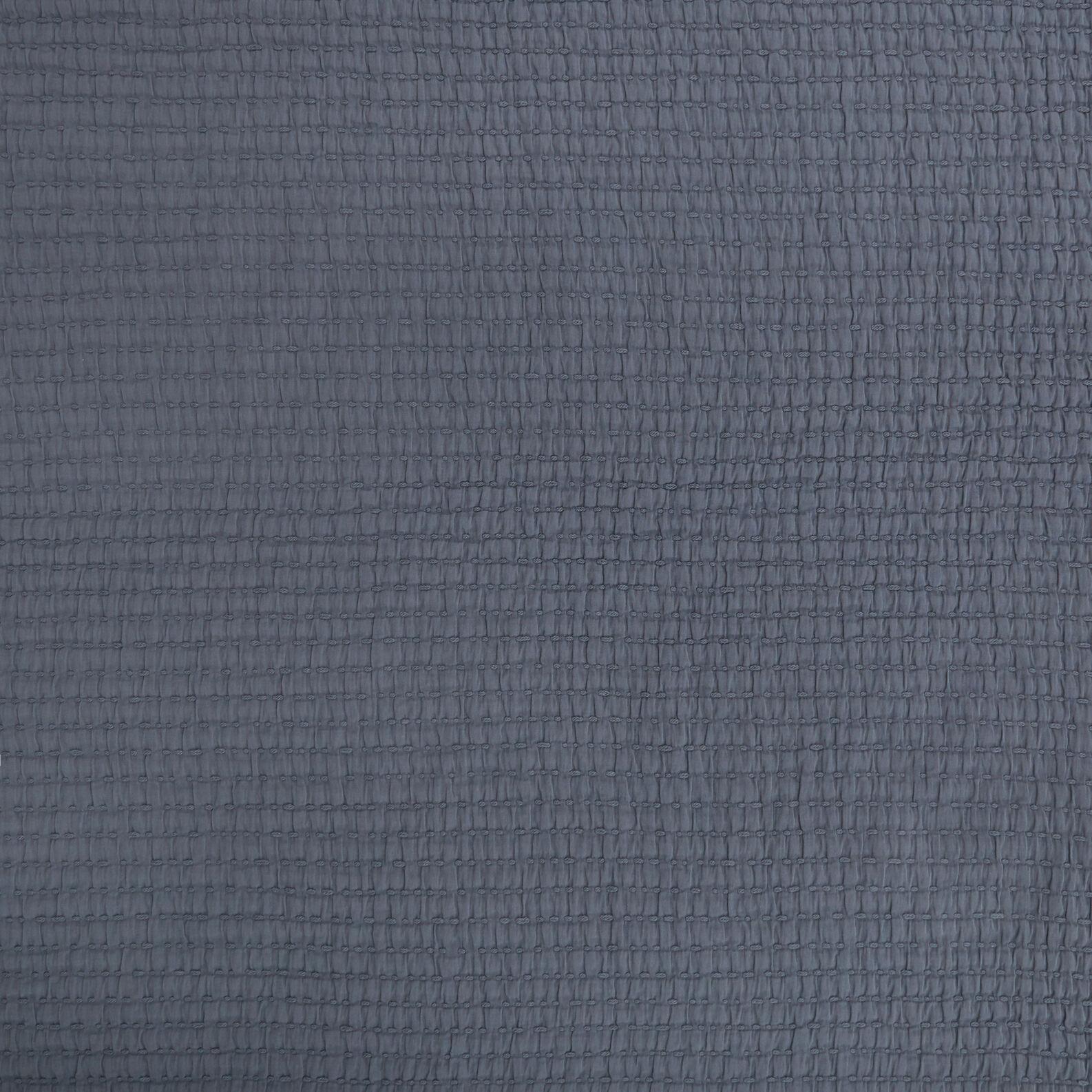 Solid colour 100% cotton bedspread.