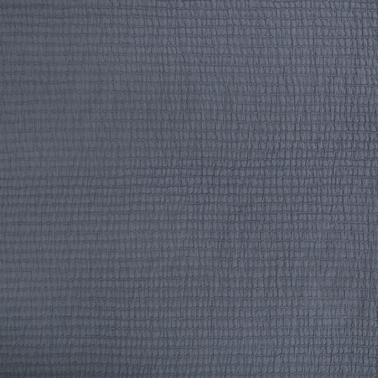 Solid colour 100% cotton bedspread.