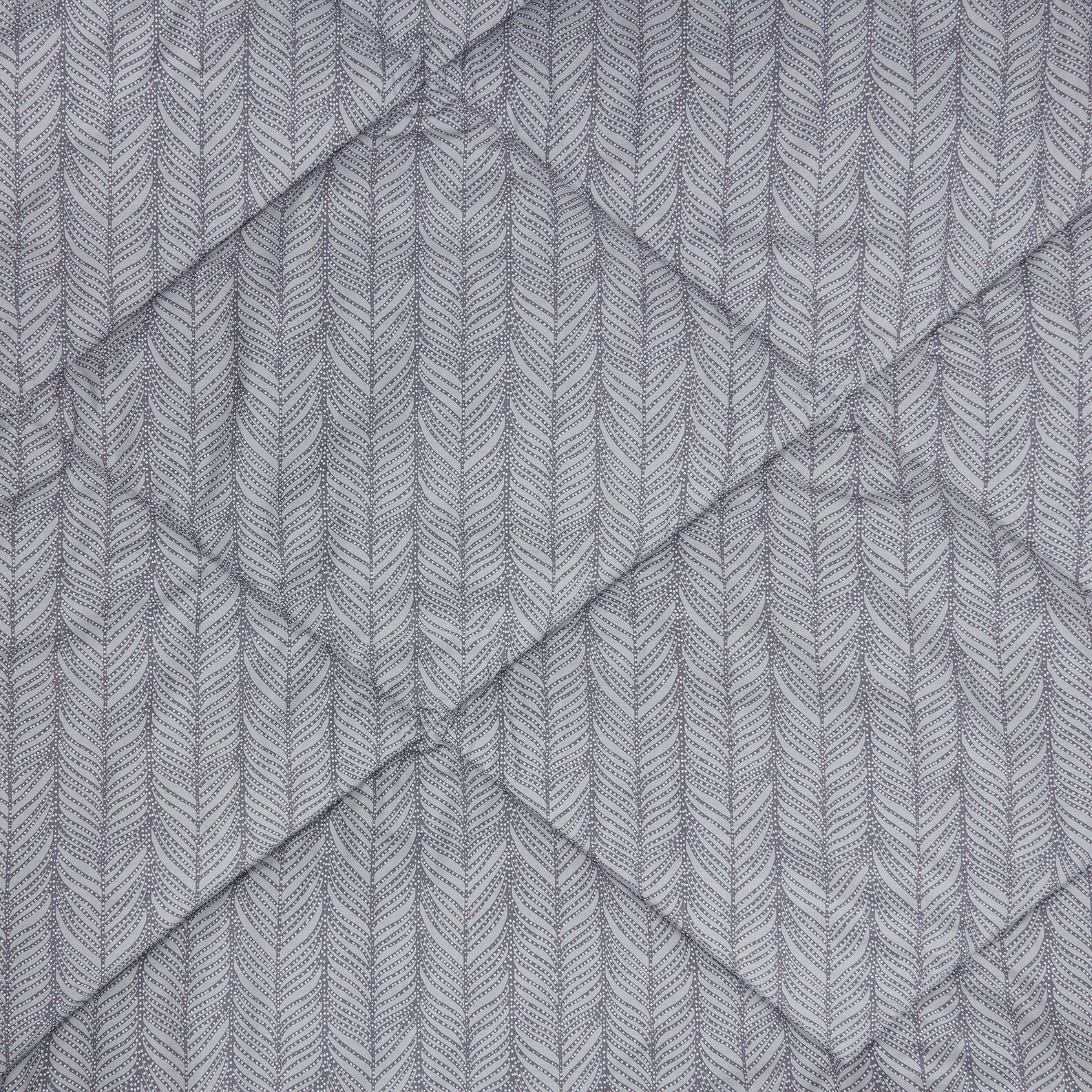 Cotton percale quilt with feather pattern