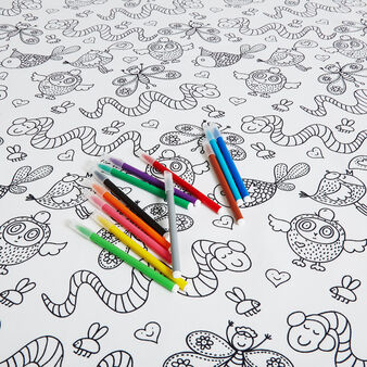 Water-repellent table cover with 12 pens
