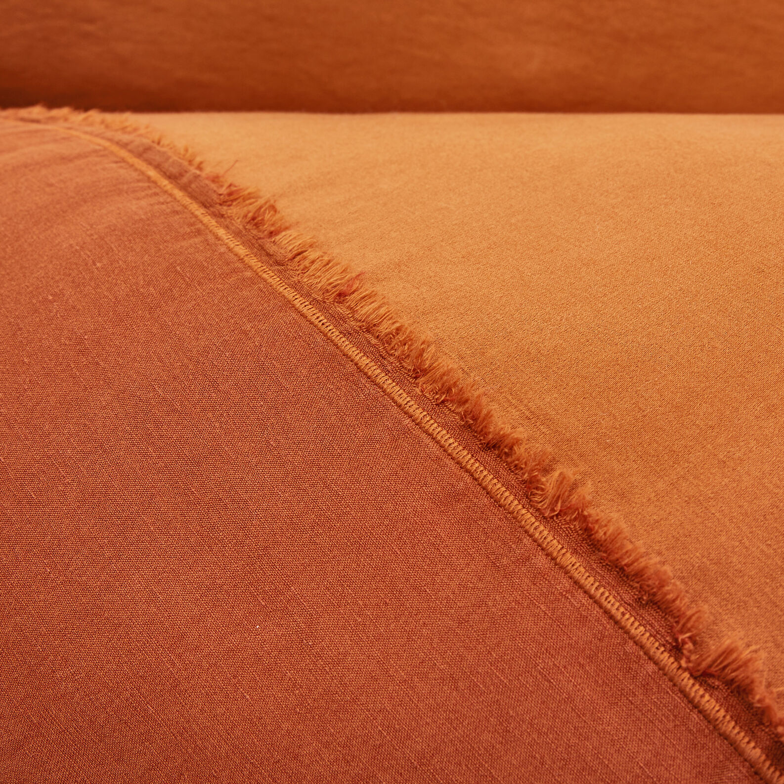 Solid colour flat sheet in cotton satin