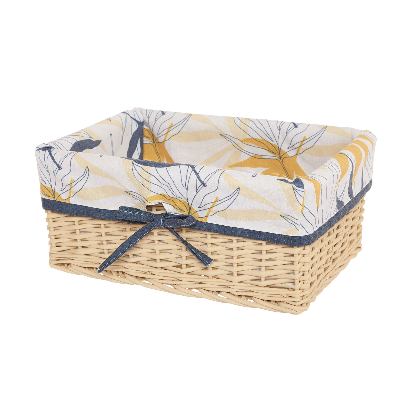 Basket in wood and fabric