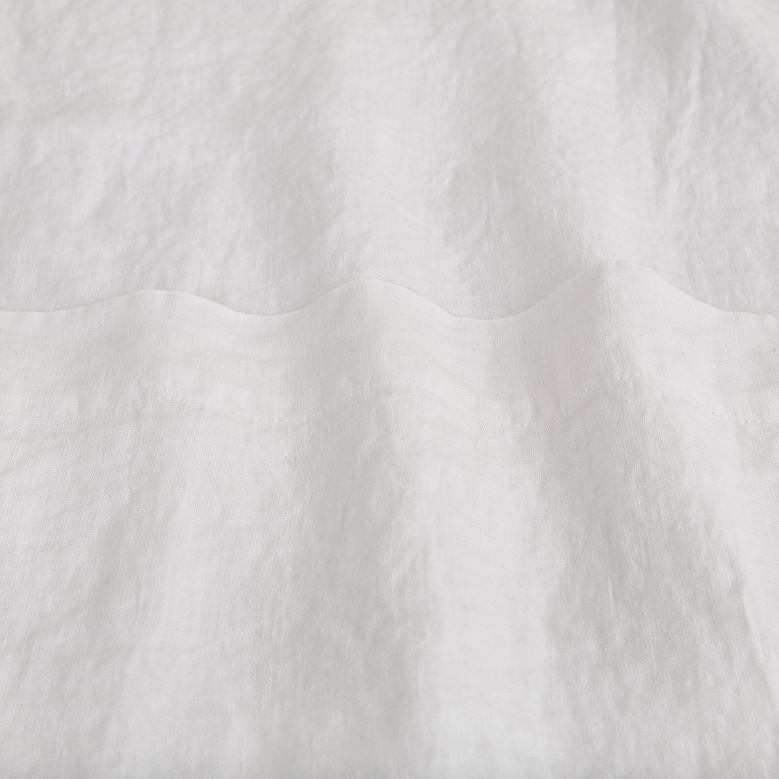 Plain flat sheet in 145 g linen