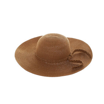Beach hat with wide brim.
