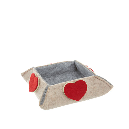 Felt basket with heart applications