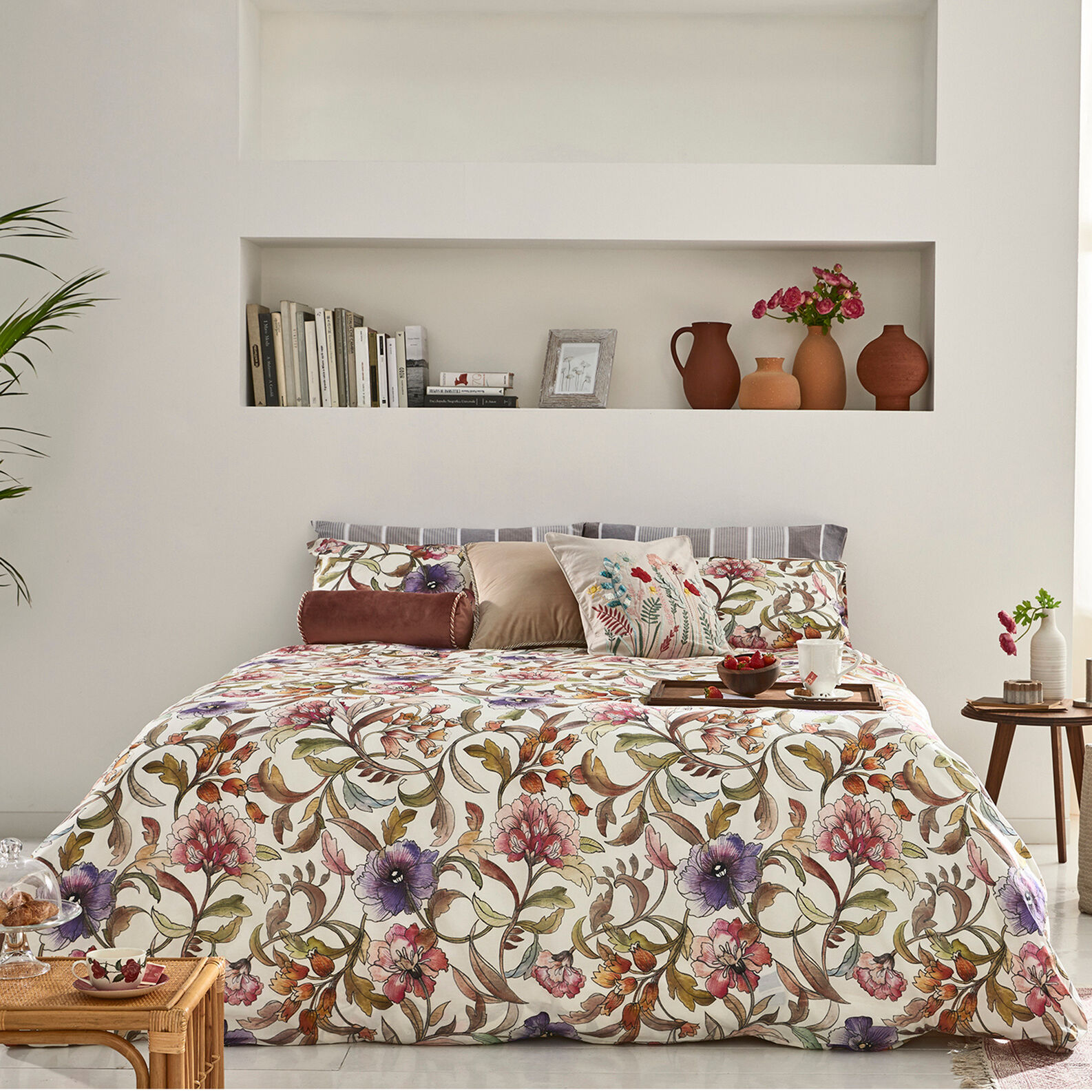 Cotton percale duvet cover set with floral pattern