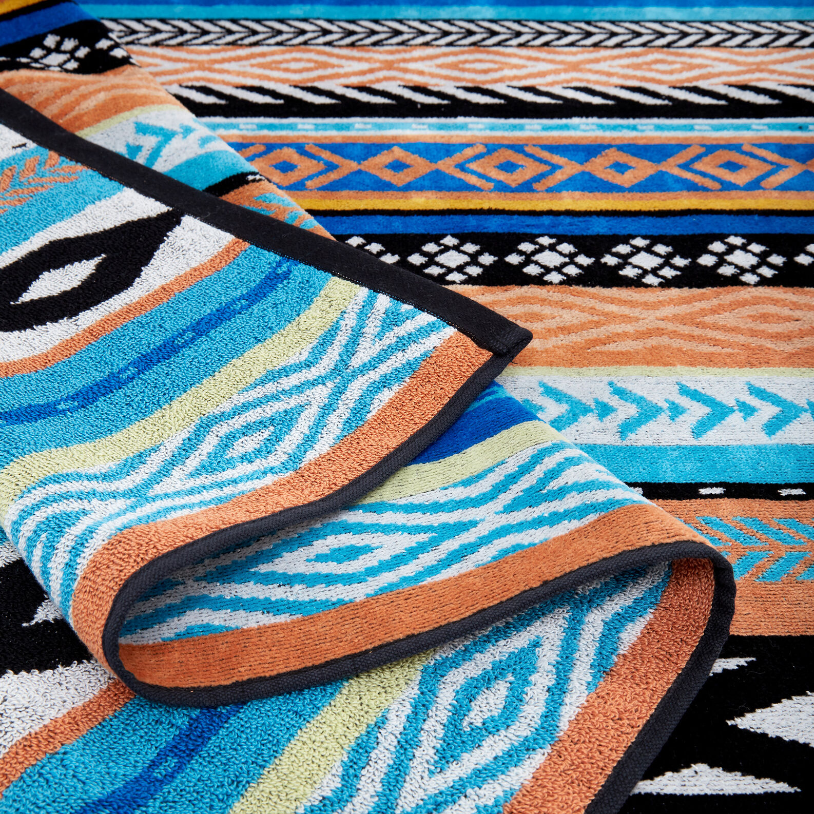 Cotton velor beach towel ethnic motif