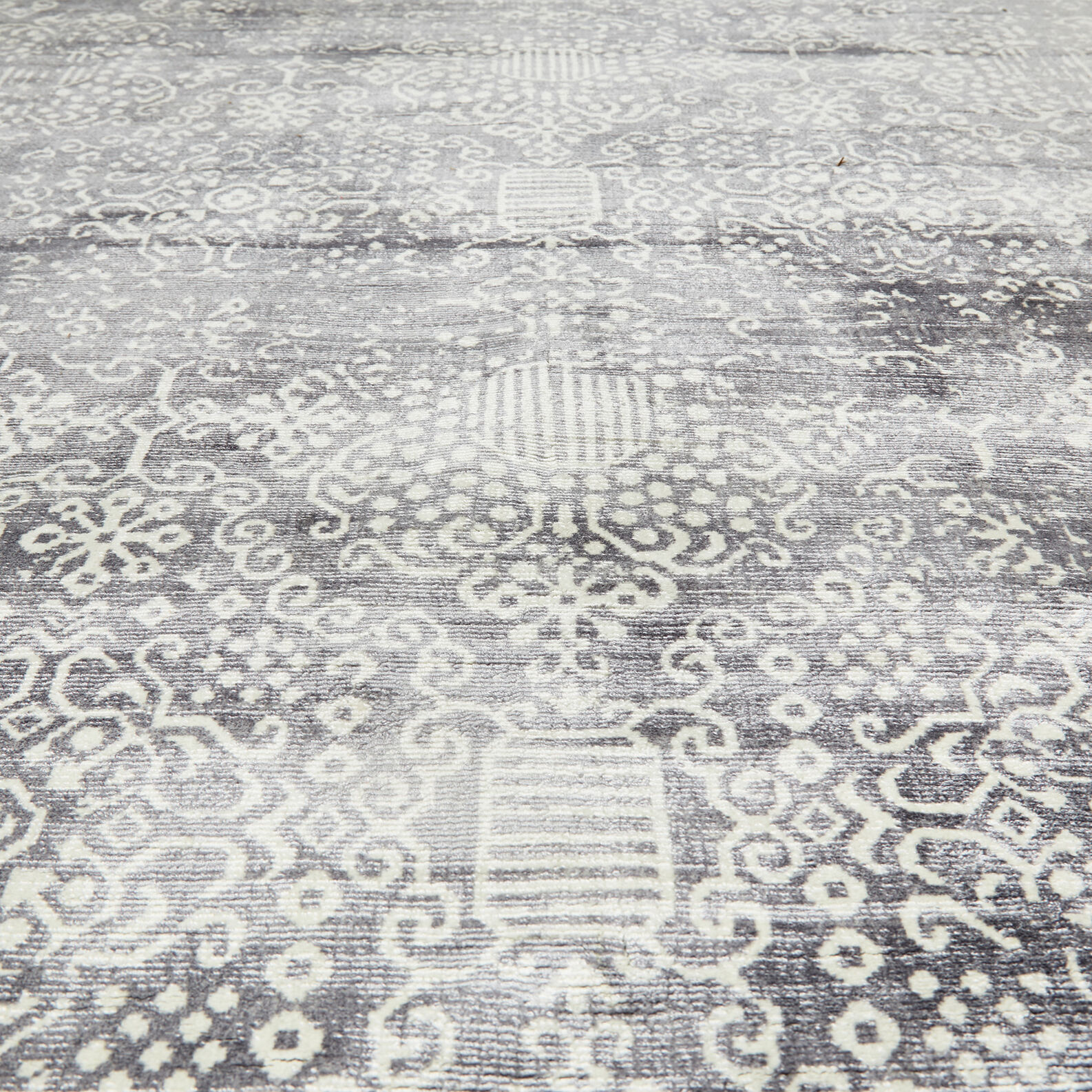 Rug with ornamental motif