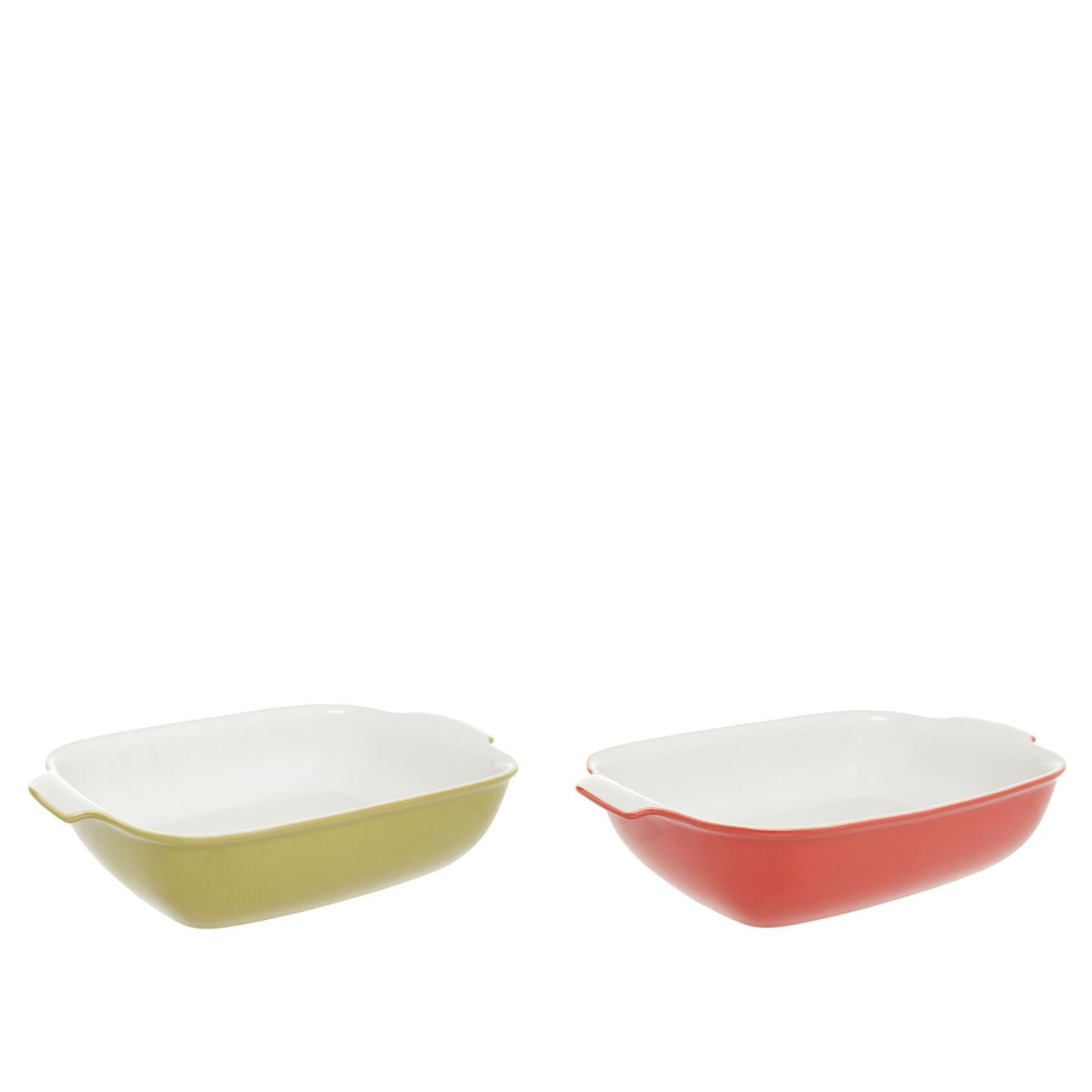 Coloured ceramic oven dish