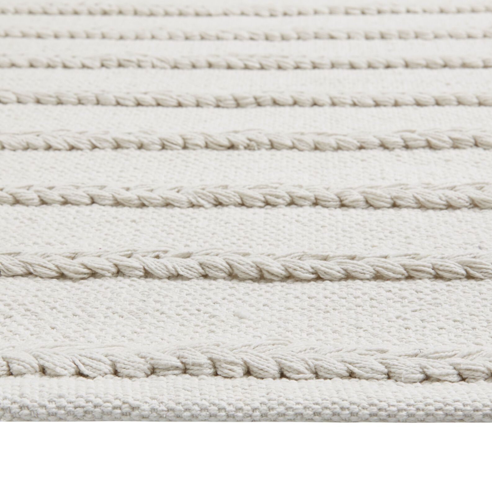 100% cotton braided bath mat
