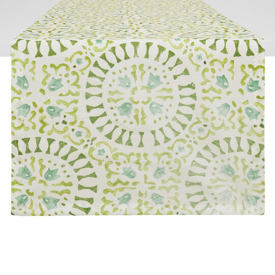 Table runner with circle print