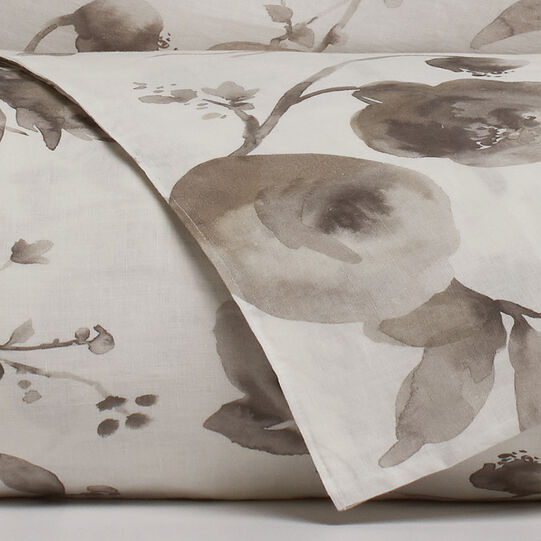 Portofino floral flat sheet in washed-effect 100% linen