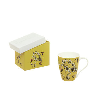 Mug decorated with gift box