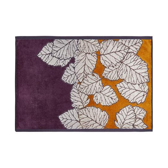 Cotton velour towel with leaf motif