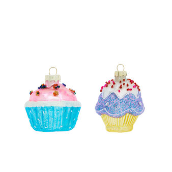 Hand-decorated cupcakes decoration