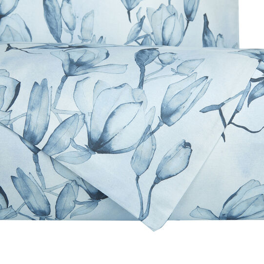 Flat sheet in cotton satin with magnolia pattern