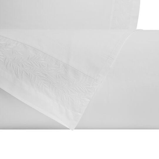 Bed linen set in cotton percale with leaves embroidery