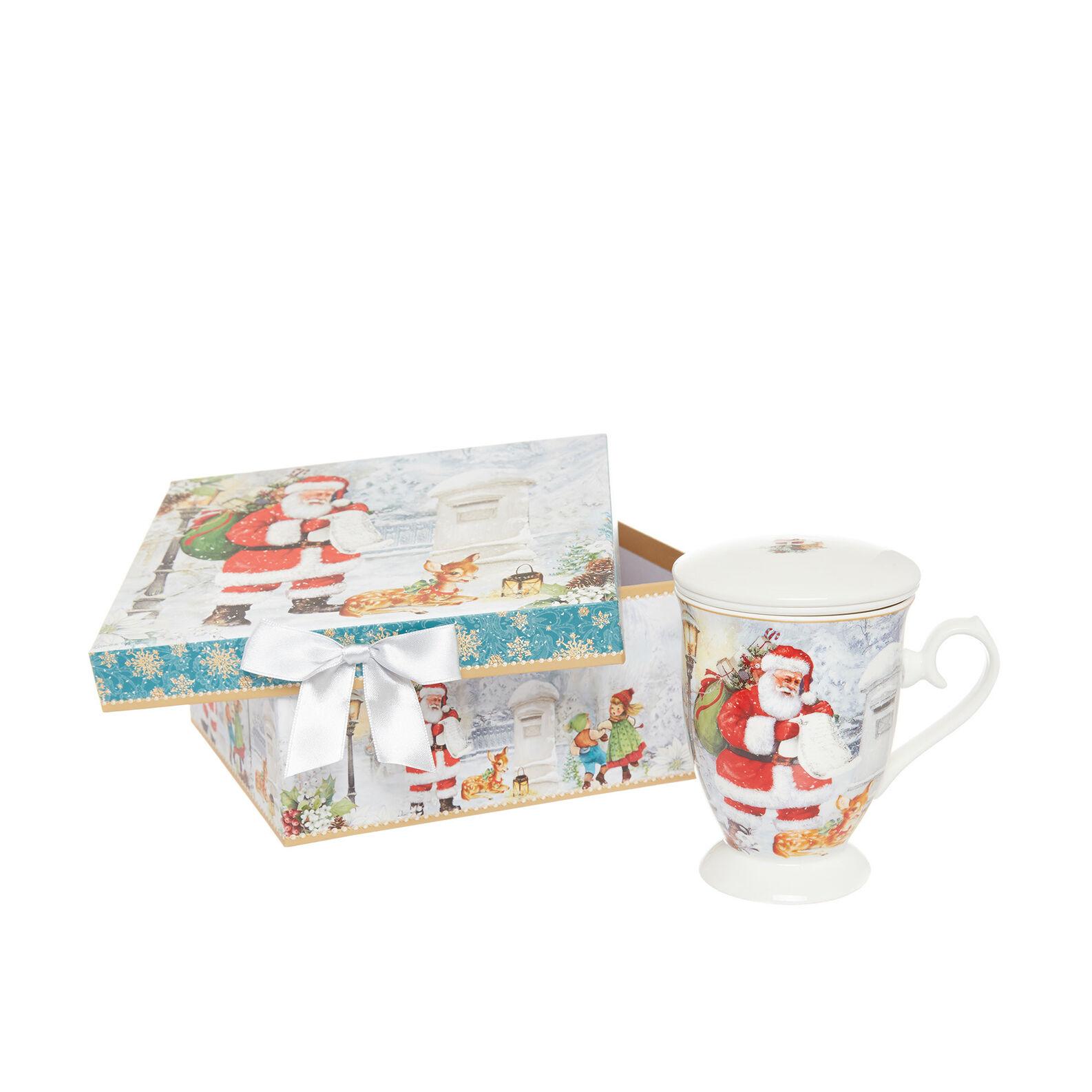 Porcelain infuser cup with vintage motif