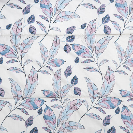 Cotton percale quilt with leaf pattern